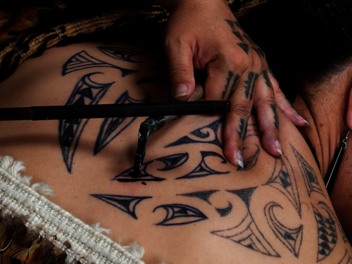 Connaissez-vous le « Moko », le tatouage traditionnel Maori ?