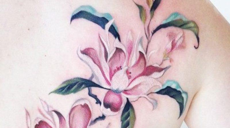 tatouage fleurs de lys